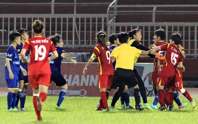 Ẩu đả tại bán kết giải VĐQG bóng đá nữ 2018: Bóng đá nữ mà đánh nhau như bóng đá nam