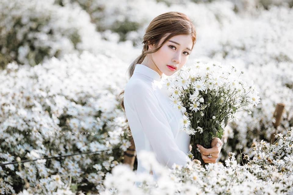 """Con gái Hà thành """"rỉ tai"""" nhau 5 địa điểm chụp cúc họa mi cực """"mơ màng"""" trong ngày thu se lạnh"""