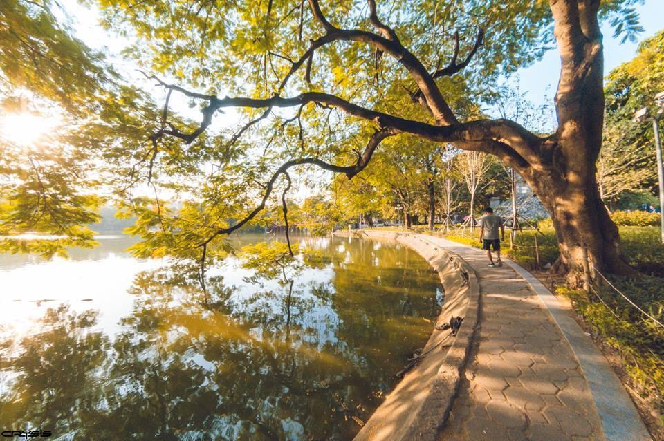 """Hà Nội ngày nắng lên cũng lãng mạn như """"mùa yêu"""", mình cùng nhau xuống phố thôi!"""