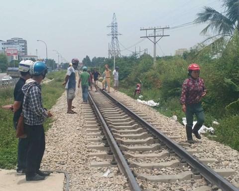 Lại tai nạn đường sắt ở Thanh Hóa: 2 người thiệt mạng khi cố vượt qua đường tàu bằng xe máy