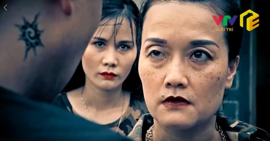 """Vân Dung hóa bà trùm khét tiếng, tát Phan Hải sưng má trong """"Người phán xử"""" ngoại truyện"""