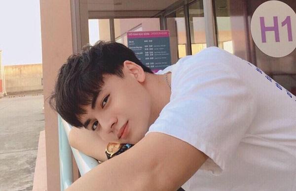 """Anh chàng nam sinh Đại học Nguyễn Tất Thành khiến hàng ngàn chị em """"lạc nhịp"""" tim rồi tiếc nuối"""