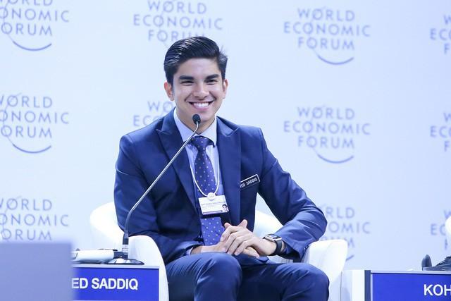 """Bộ trưởng trẻ tuổi nhất lịch sử Malaysia chia sẻ về cách tạo ra """"cánh đồng màu mỡ"""" cho startup"""