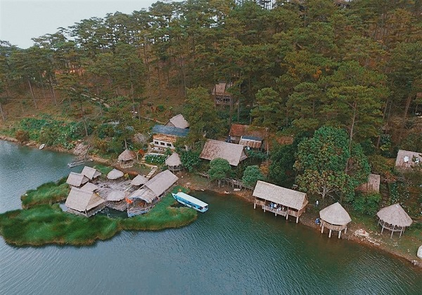 """Cầm 30k quẩy """"tung nóc"""" ốc đảo """"nhiệt đới"""" thu nhỏ ngay sát Hồ Tuyền Lâm, Đà Lạt"""