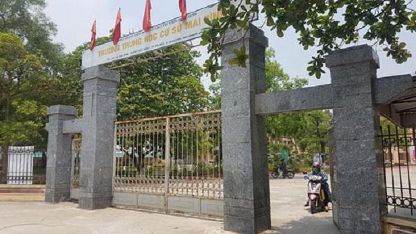 Thầy giáo để lọt đề thi tuyển sinh vào lớp 10 tại Hà Nội bị đình chỉ công tác