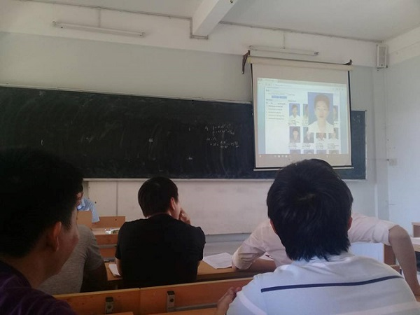 """""""Team học hộ"""" hết cửa với cách điểm danh bằng ảnh thẻ của giảng viên Đại học Bách khoa Đà Nẵng"""