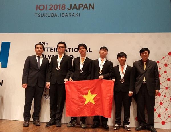 2k Hà Tĩnh xuất sắc đạt huy chương vàng Olympic Tin học Quốc tế sau khi vượt qua 341 thí sinh các nước