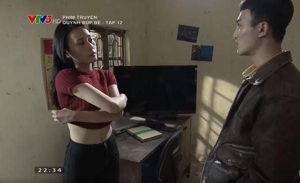 """Clip: Quỳnh búp bê khiêu khích Cảnh: """"Để em cởi áo cho anh xem nhé"""""""