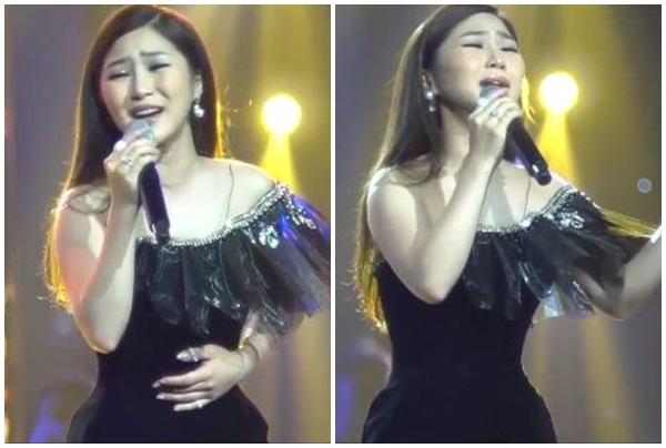 """""""Đẳng cấp"""" Hương Tràm: Lần đầu hát live """"Duyên mình lỡ"""" khiến khán giả khóc như mưa!"""