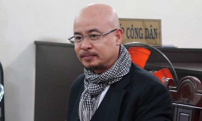 Bà Lê Hoàng Diệp Thảo vắng mặt, ông Đặng Lê Nguyên Vũ cười tươi tại phiên tòa hòa giải