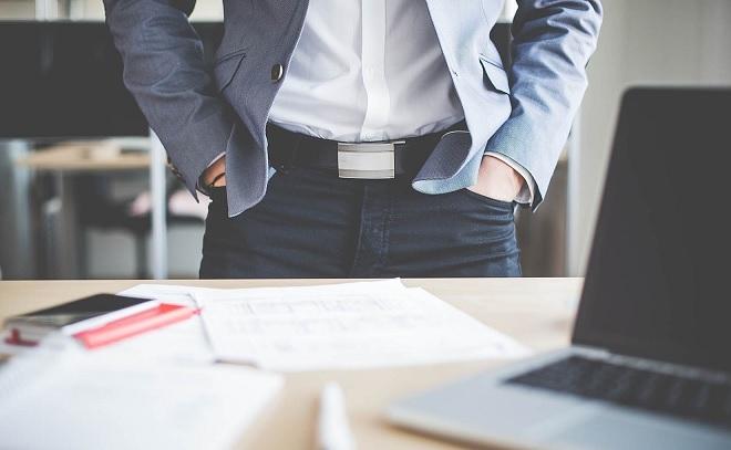 Quản lý nhân viên lớn tuổi hơn mình, sếp trẻ làm gì để chứng minh sự trưởng thành?