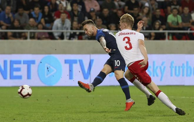 Chuyện lạ bóng đá: Sinh viên, nhân viên bán hàng bất ngờ được khoác áo đội tuyển Đan Mạch đá giao hữu quốc tế