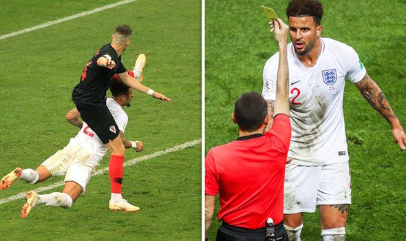 """Cay cú trận thua Croatia, fan tuyển Anh đua nhau """"ném đá"""" ông trọng tài Thổ Nhĩ Kỳ, kết tội thiên vị"""