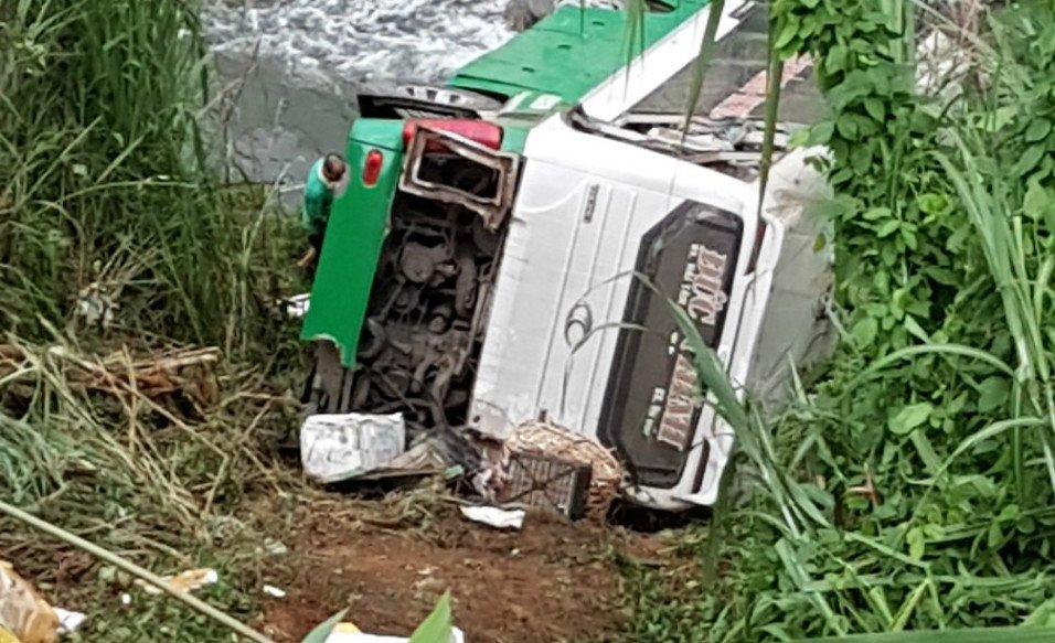 Xe khách Hải Dương rơi xuống vực sâu ở Kon Tum: 3 người thiệt mạng, hàng chục người bị thương
