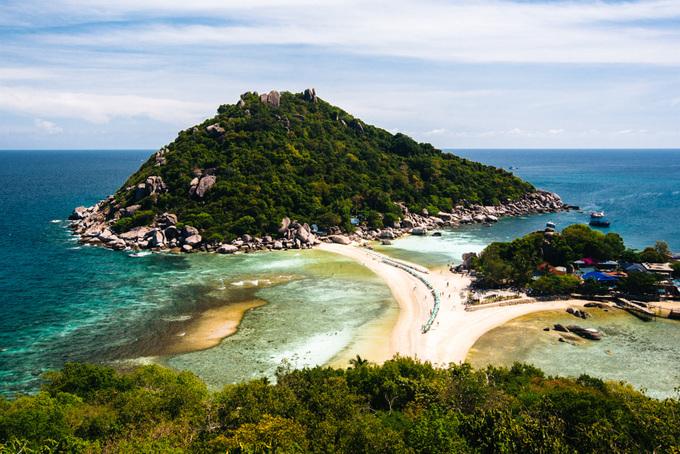 """Hè này phải rủ nhau đi nghỉ mát giá bình dân ở """"Điệp Sơn"""" của Thái Lan, leo lên đỉnh View Point ngắm Koh Nang Yuan cực đẹp"""