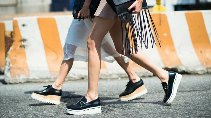 Giày platform - nỗi xấu hổ của thời trang nay đã được say mê trở lại