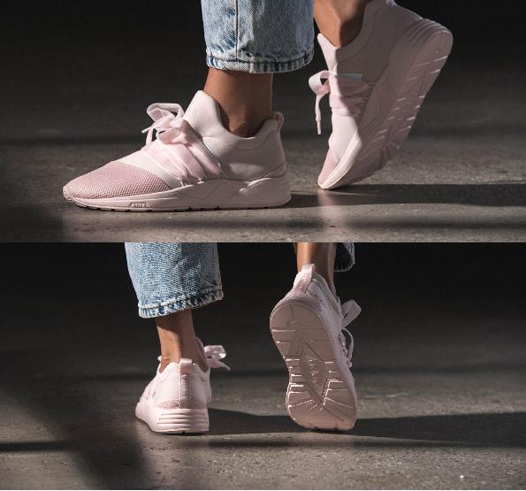 """Điểm danh những đôi sneakers cho """"hội yêu màu hường"""" mới được ra mắt, màu siêu đẹp, giá siêu yêu"""