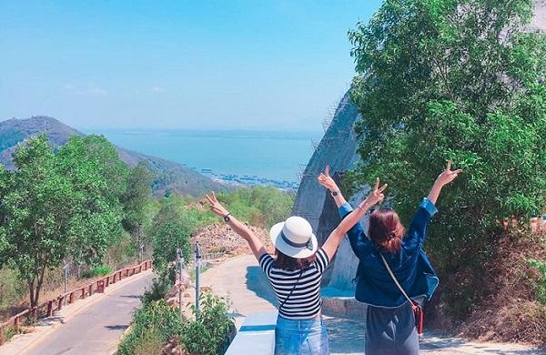Bạn thân ơi, tháng 6 này mình cùng đi quẩy ở công viên nước trên núi đầu tiên ở Việt Nam nhé!
