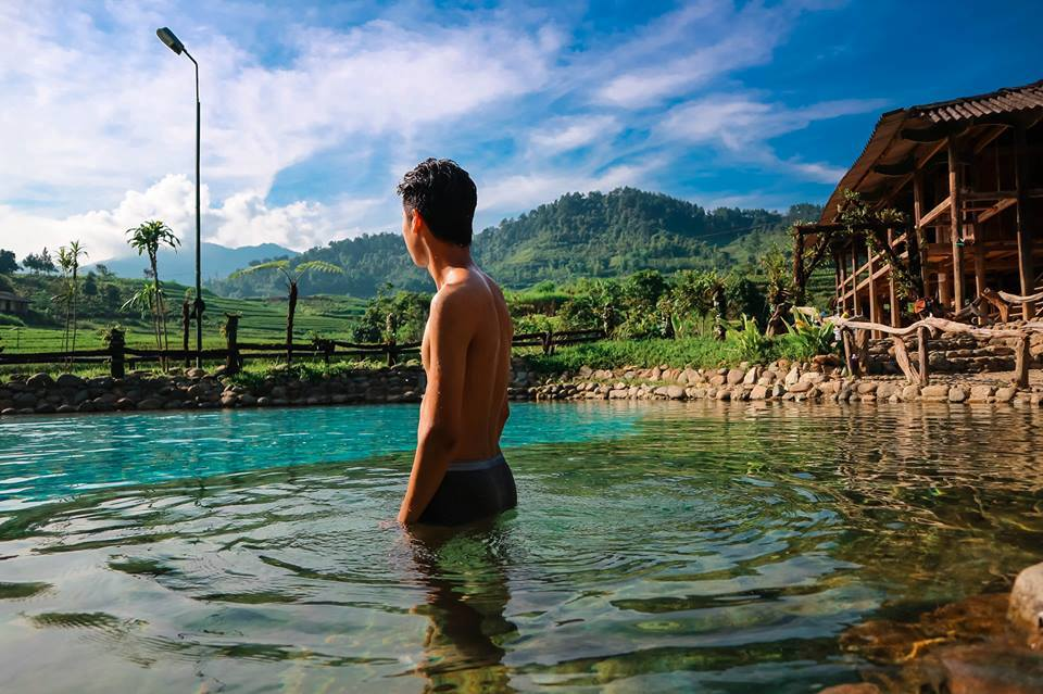 """Đến Yên Bái """"thả mình"""" khoan khoái giữa suối nước nóng Trạm Tấu dịp Tết này còn gì tuyệt vời hơn"""