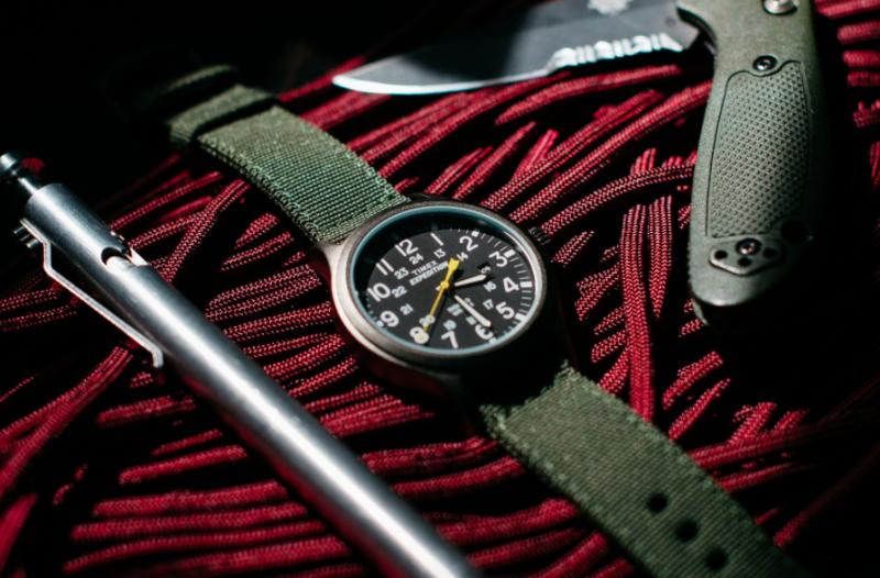 Đồng hồ military - những chiếc đồng hồ dư bền bỉ và thừa nam tính