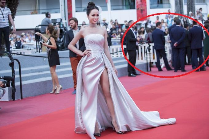 """Tưởng rẳng Vũ Ngọc Anh """"cầm nhầm vé"""" của Lý Nhã Kỳ để được lên thảm đỏ, hóa ra """"thảm đỏ"""" mà cô bước lên là thế này đây"""