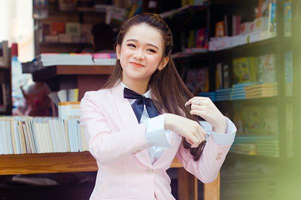 Được nhắc tới sau vụ ồn ào hơn 300 bài thi THPT ở Hà Giang bị sửa điểm, Linh Ka không dám nhận lời xin lỗi của cộng đồng mạng
