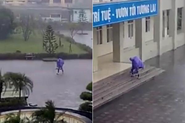"""Bất chấp trời mưa to gió lớn, nam sinh cõng bạn gái đến trường gây tranh cãi cực """"gắt"""" trên mạng xã hội"""