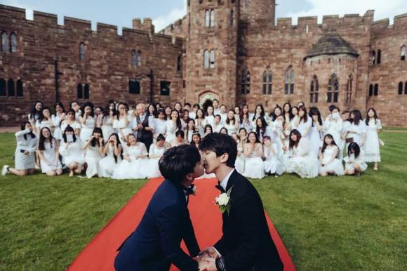 Cặp đôi mỹ nam đẹp tựa ngôn tình tổ chức đám cưới khủng tại lâu đài Anh