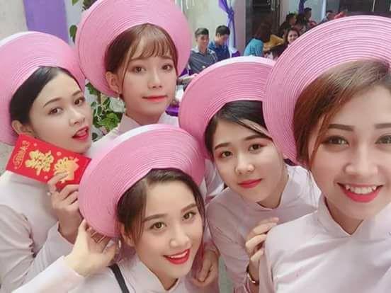 Bức ảnh 5 cô gái xinh đẹp của dàn bê tráp khiến bao anh xao xuyến, nhận ngay làm vợ