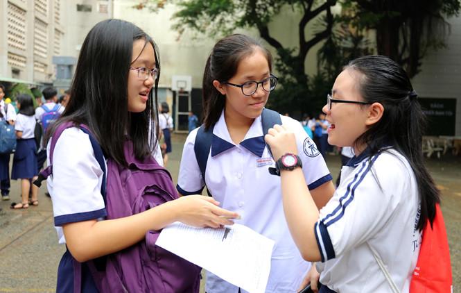 TP HCM thi lớp 10: Đề thi Tiếng Anh dài và khó khiến nhiều thí sinh lo sợ điểm thấp