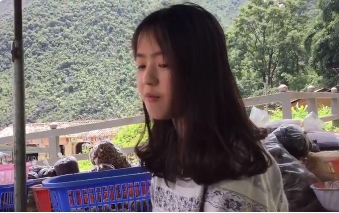 """Hot girl bán lê 2k3 thẹn thùng cover """"Kém duyên"""" khiến CĐM đổ gục thêm lần nữa"""