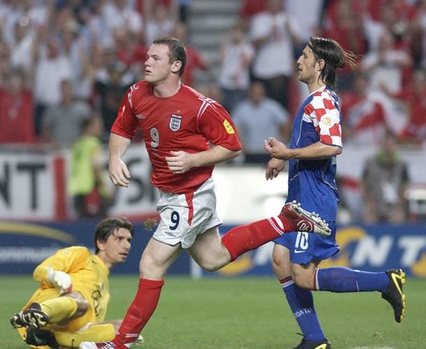 Thế hệ nửa già, nửa trẻ của Croatia tiếp tục thua 2-4 Anh vào ngày 21/6/2004 ở vòng bảng EURO 2004 trên đất Bồ Đào Nha.