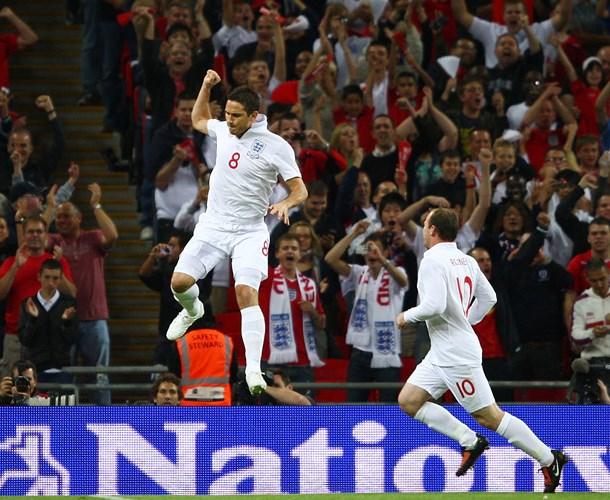 """""""Sự trả thù ngọt ngào"""" tiếp tục ở lượt về khi Anh tiếp tục hạ 5-1 Croatia vào ngày 9/9/2009 ở lượt về vòng loại World Cup 2010 tại Wembley. Nhưng những chiến thắng quan trọng đó không giúp Anh hết lận đận ở các VCK World Cup và EURO."""