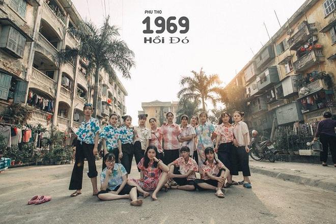 """Bộ ảnh kỷ yếu """"chất"""" đúng thời bao cấp của học sinh Phú Thọ"""
