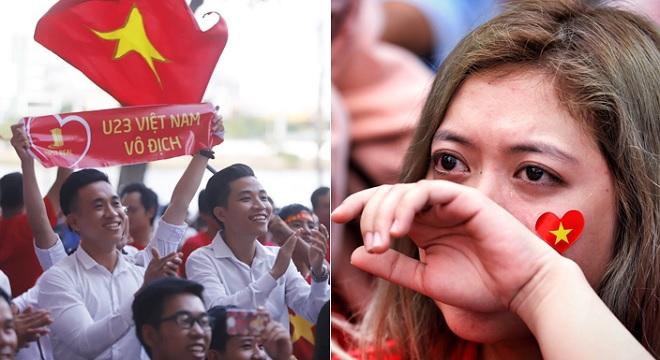 """Fan U23 Việt Nam """"tắm"""" mưa cổ vũ đội nhà, được đền đáp bằng bàn thắng của Minh Vương"""