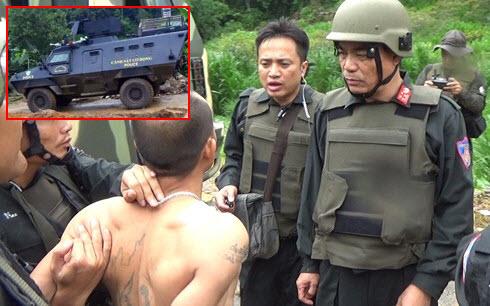 Hàng trăm cảnh sát dùng xe bọc thép đột kích điểm nóng ma túy Lóng Luông, tiêu diệt 2 tên trùm