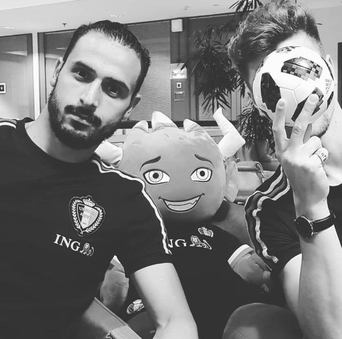 """Chadli được cho là đảm bảo thể lực cho trận bán kết gặp Pháp sắp tới, tức là chàng tiền vệ """"soái ca"""" này hoàn toàn có thể được đá chính, sớm xuất hiện trên ti vi cho chị em tha hồ ngắm."""