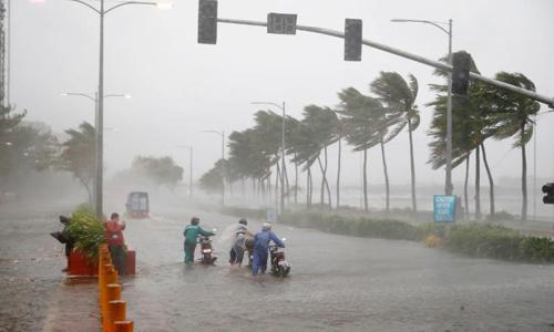 Siêu bão Mangkhut không còn là siêu bão nhưng hoàn lưu vẫn gây mưa rất to ở Bắc Bộ và Bắc Trung Bộ