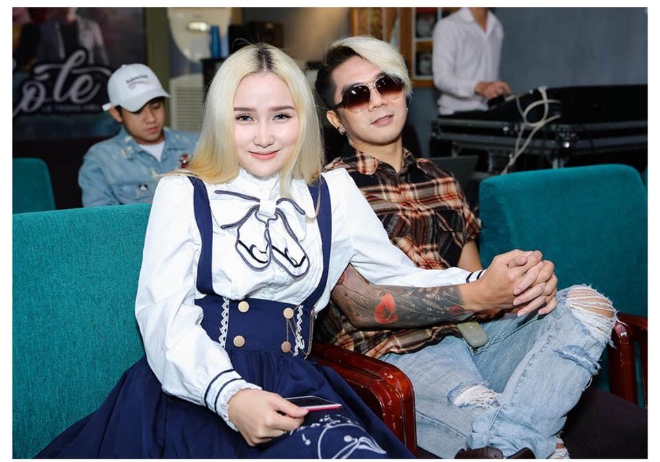 """Nhan sắc bạn gái mới của Khánh Đơn: Có gì mà """"vượt mặt"""" được Lương Bích Hữu?"""
