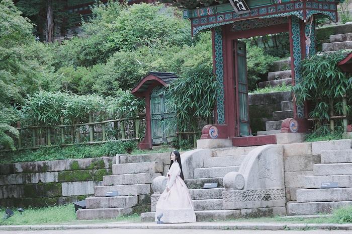 """Du lịch Hàn Quốc """"không đi bao tiếc"""", nếu quên ghé địa điểm diện Hanbok check-in như """"phim hoàng cung Hàn"""" cực HOT này!"""