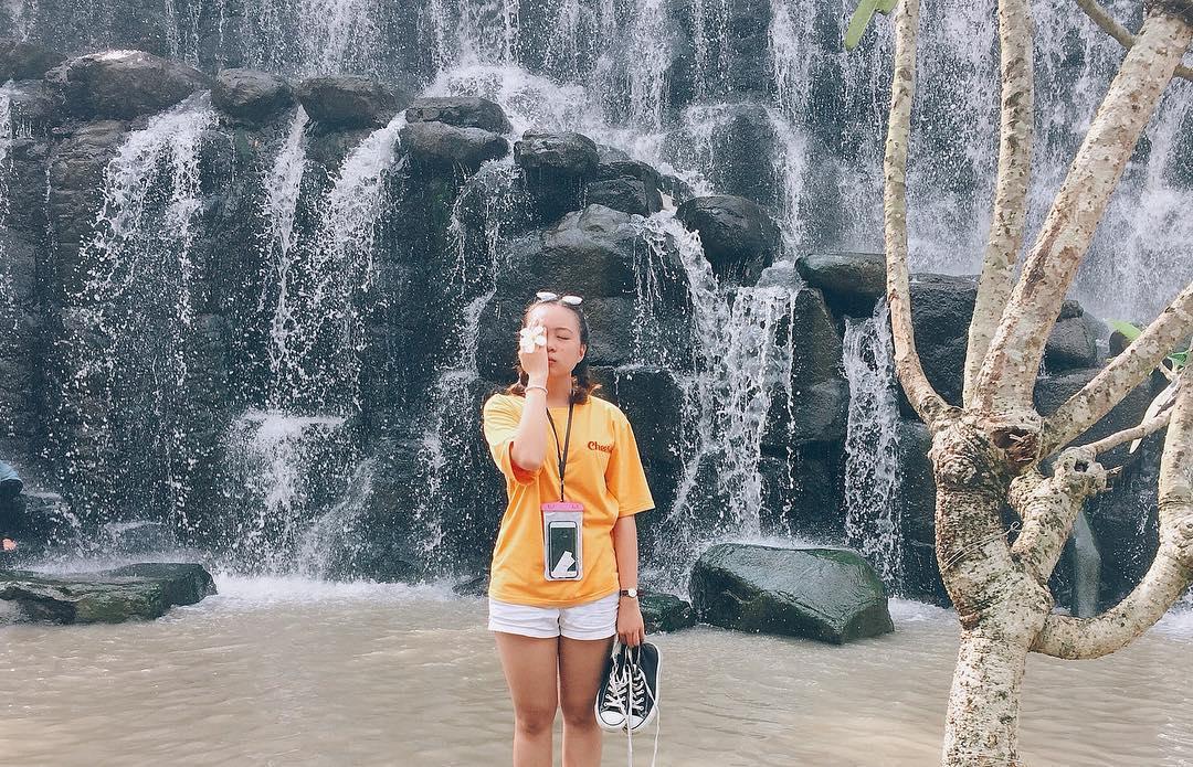 """Set kèo """"quẩy banh nóc"""" mùa hè ở thác đá 3 dòng cực hot chỉ cách Sài Gòn 70 km"""