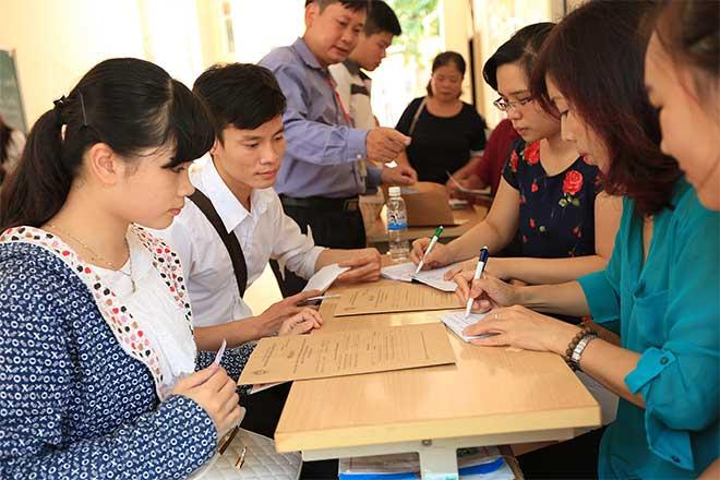 Hướng dẫn tân sinh viên điền mẫu hồ sơ nhập học khi trúng tuyển đại học 2017
