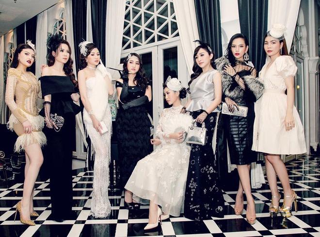 Hội bạn thân 8 nàng hot mom tài giỏi, xinh đẹp, giàu có nhất nhì Sài Gòn khiến chị em ngưỡng mộ