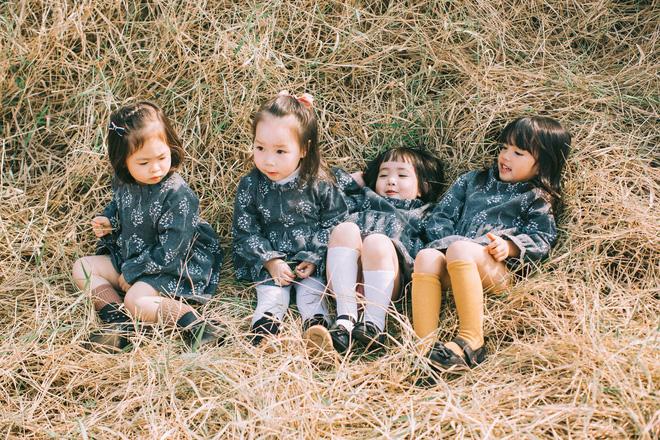 Ai cũng phải ao ước sinh ra 4 thiên thần để làm hội ban thân nhí như 4 bà mẹ chơi thân thời đại học này