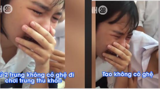 Cô gái khóc nức nở vì không có người yêu đi chơi trung thu!