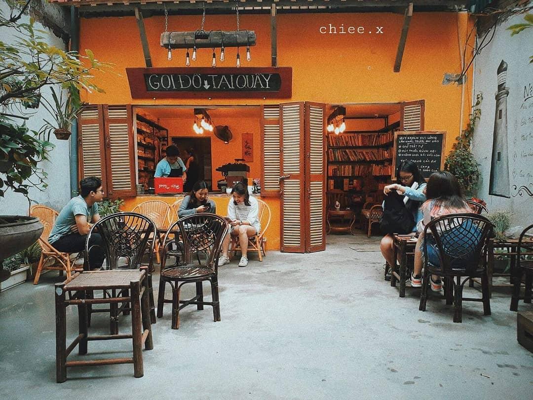 """Gói gọn cả sắc thu vàng ở Tiny Café – quán café ngõ nhỏ """"đẹp ngất"""" giữa lòng Hà Nội"""
