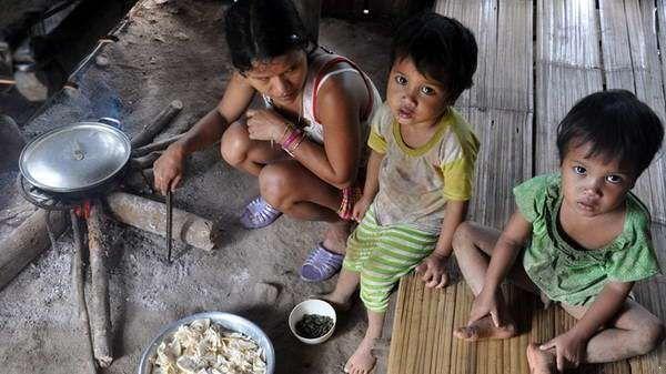 Hành trình mang ánh sáng tới cuộc sống đầy u tốt của những đứa trẻ nghèo khổ