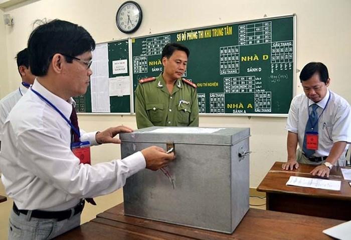 """Từ sự cố """"lọt"""" đề của Hà Nội, đề thi THPT Quốc gia được bảo mật nghiêm ngặt"""