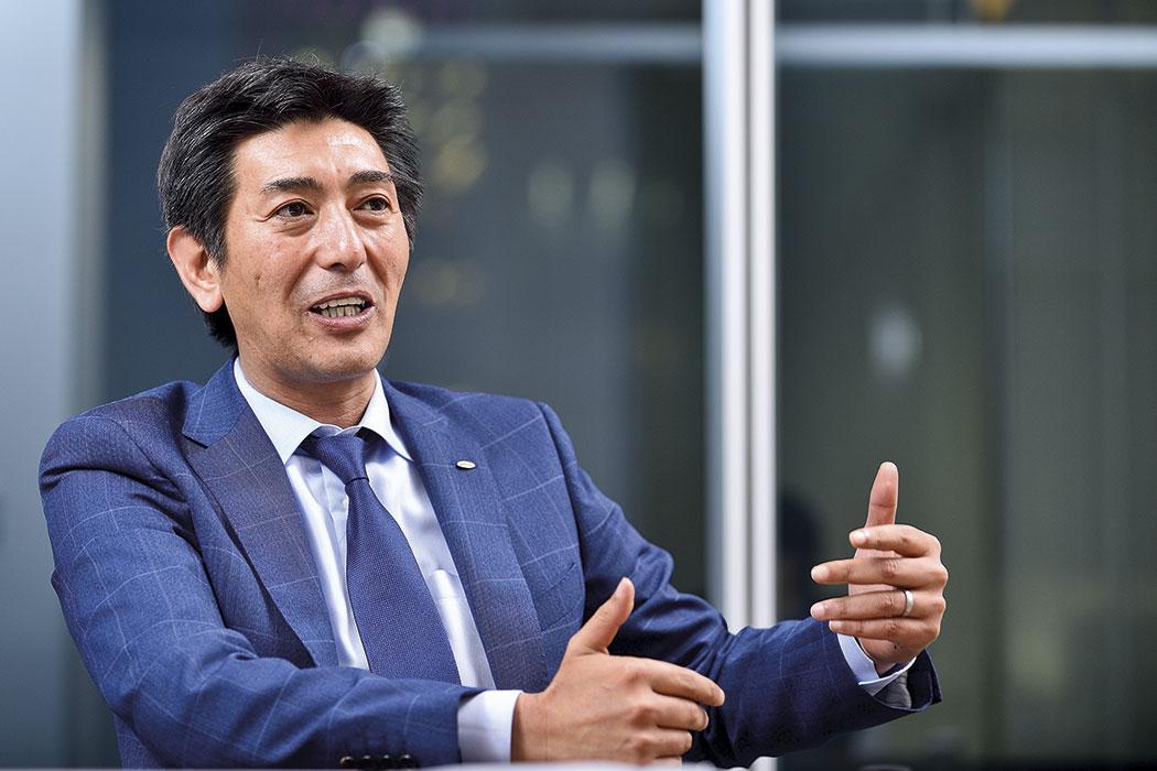 Tỷ phú Nhật hợp tác với Ronaldo, Madonna và bài học không bỏ cuộc dù người khác nói không tưởng