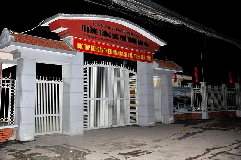 Báo Quảng Ninh: Học sinh trường THPT Hòn Gai rơi từ tầng 5 xuống đất tử vong do tự vẫn
